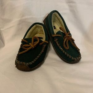 Lands' End deep green moccasin slippers size 10